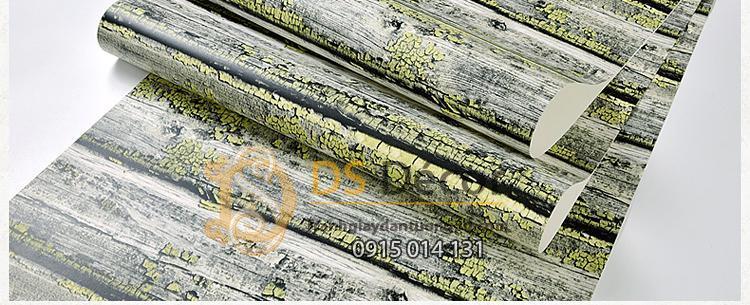 Be-mat-Giay-dan-tuong-gia-go-chay-doc-dao-3D228-mau-vang